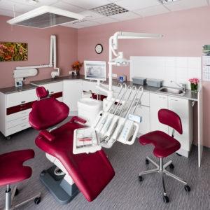 Hammasklinikka Lumen - punainen hoitohuone