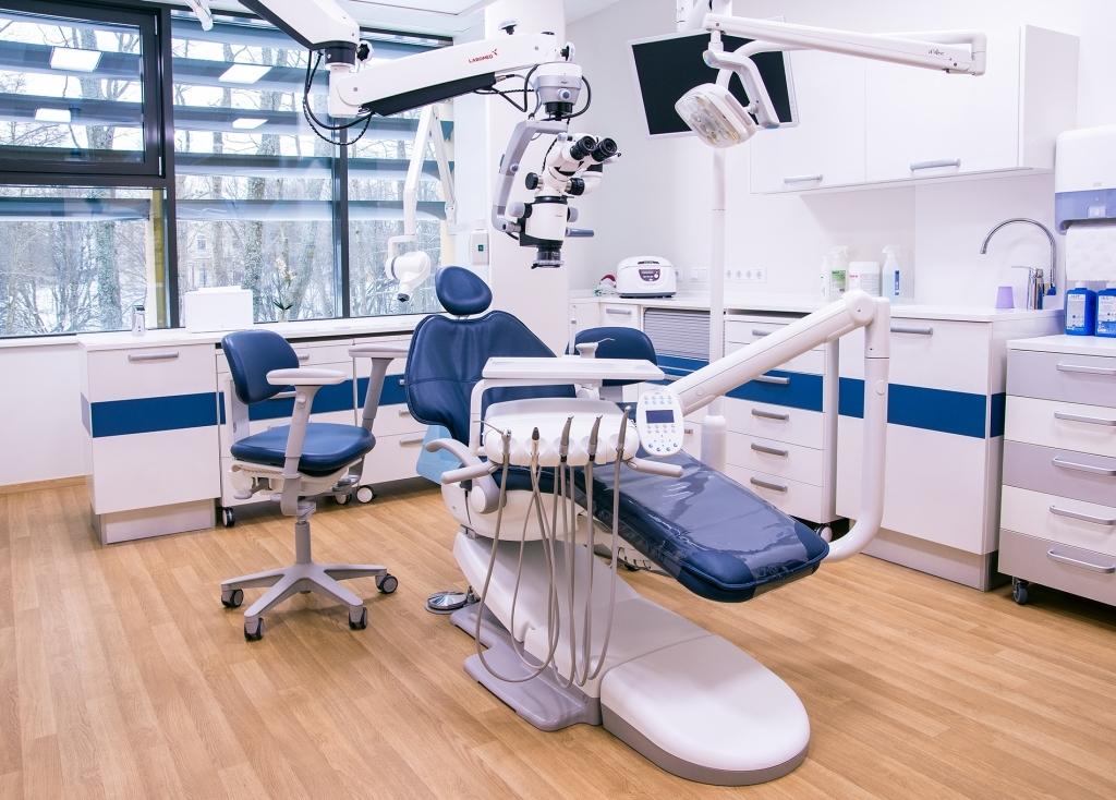 Hammasklinikka Lumen - sininen hoitohuone